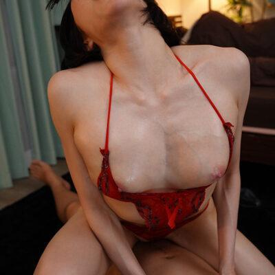 こんなピンクの乳首見たことない!近所の人妻さんの浮きブラ乳首に即勃起してしまった僕 七海ティナ-1