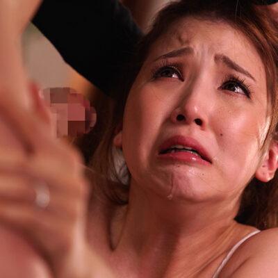 あなただけには知られたくない...ラブラブな笑顔でお姉ちゃんが結婚報告に来たその日、妹の私は義兄になったばかりの男に襲われました。友田彩也香-4