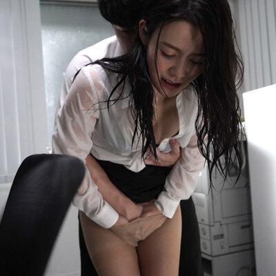 季節外れのゲリラ豪雨でびしょ濡れになった女上司と朝までひたすら徹夜性交 吉高寧々 Vol.1-2
